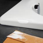 Braunes Schleifpapier zum schleifen der gespachtelten Stelle nutzen